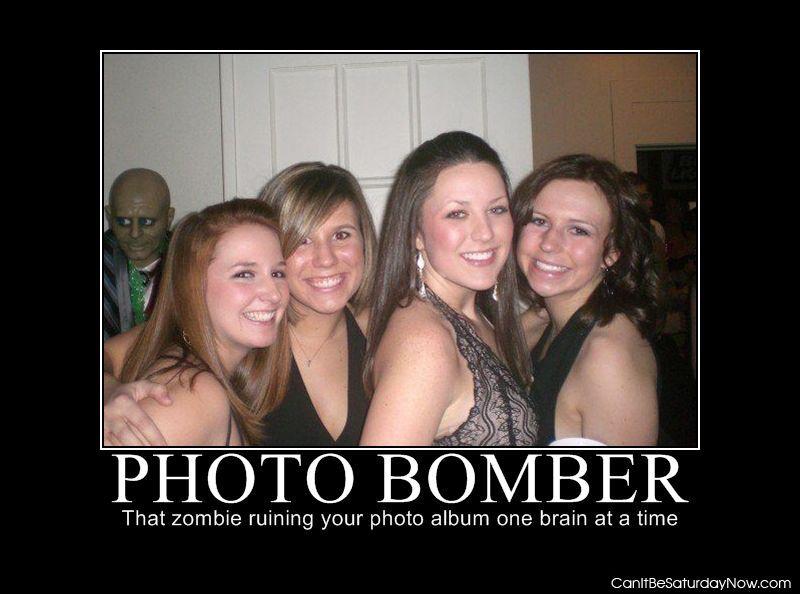 Photo bomber zombie