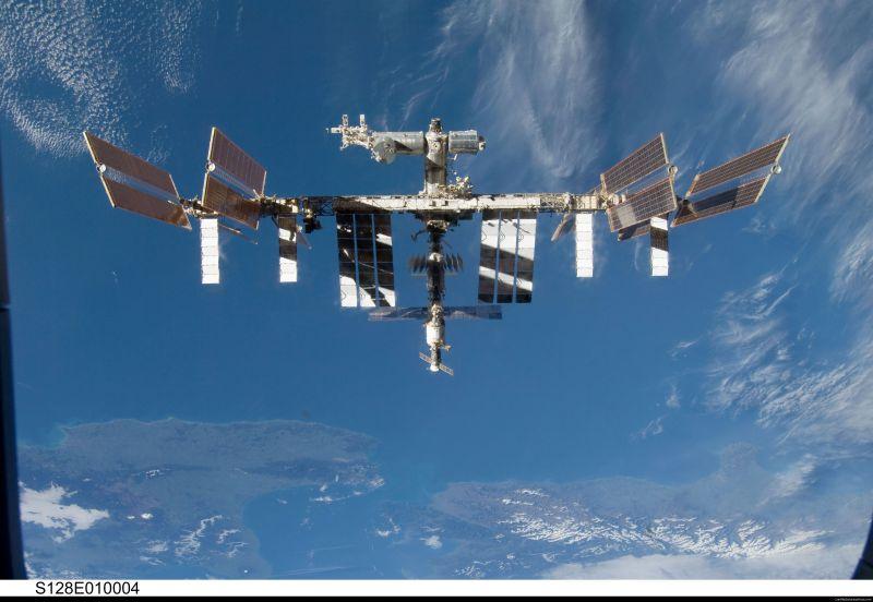 NASA potd 11 iss sts128 big